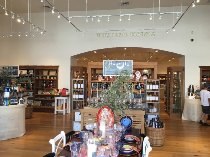 Williams Sonoma Holiday Hours Open Closed